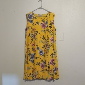 Floral pleaded dress